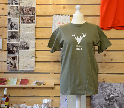 "T-Shirt ""Geliebter Rebell"", olive"